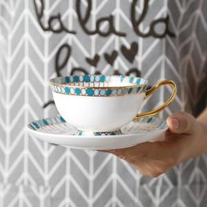 Tasse à café en os Motif de pierres précieuses peint à la main avec un bord en or Ensemble de tasses et de soucoupes européennes Ensemble de tasses à thé anglais