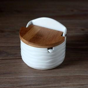 Assaisonnement en céramique créatif avec cuillère couverture en bambou ronde sel cuisine épice outils poivrier shaker boîte de rangement avec plateau