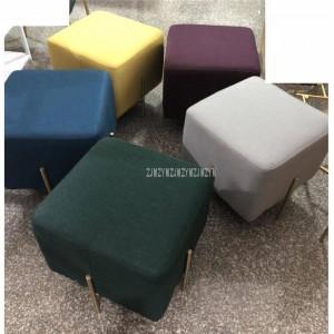 Tissu de lin de tabouret bas carré européen de style avec la jambe de fer d'or pour le sofa latéral de tabouret de tabouret de tabouret