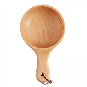 Style japonais à long manche en bois bol à salade en bois gros fruits cornichons servant un bol plaque contenant des aliments cuisine ustensiles en bois