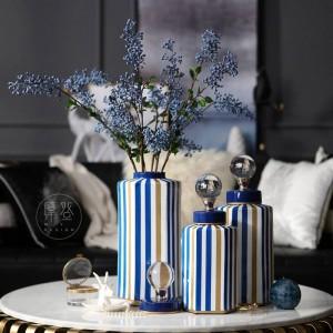 Décoration molle décorative rayée moderne de modèle de villa de vase de réservoir de stockage