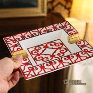 Cendrier en porcelaine, os rouge Caractéristiques design contour en or forme rectangulaire pour la maison décoration fournitures de cadeaux