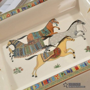 Cendrier en porcelaine dieu en os dieu contour de la conception en or rectangulaire forme forme cendrier décoration de la maison fournit des cadeaux daffaires