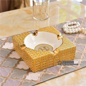 Cendrier en porcelaine porcelaine ivoire 2 tailles le contour de la conception en or carré cendrier de forme pour les cadeaux de pendaison de crémaillère