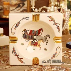 Porcelaine cendrier porcelaine ivoire 4 tailles dieu chevaux design forme carrée décoration de la maison fournitures de pendaison de crémaillère cadeaux d'affaires