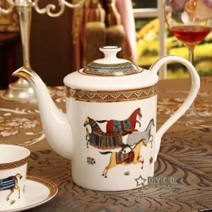 Ensemble de café en porcelaine dieu des chevaux dieu contour de la conception en or 15pcs ensemble de thé européen pot de café tasse de tasse tasse soucoupe