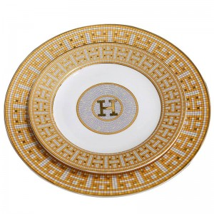 """Assiettes plates en porcelaine avec motif """"H"""" en forme de mosaïque dans une forme ronde en or, assiette plate avec assiette plate en os de 8 """"10"""", grande assiette en os"""