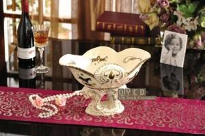 Corbeille à fruits en porcelaine ivoire en porcelaine Dieu chevaux dessin en relief contour en or décoratif fruits bol de cadeaux de pendaison de crémaillère