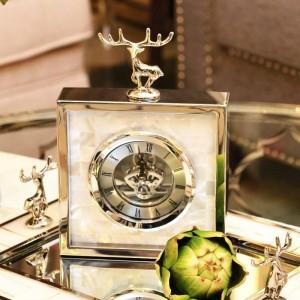 Simple Moderne Haut de gamme Horloge Européenne Salon Métal Table Creative Horloge Shell Cerf Horloge Pendule Table Nouveaux Produits