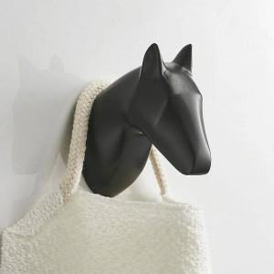 Crochet de manteau de tête d'antilope de cheval solide accrocher le mur accrocher crochet de serviette monté en or / noir peint vêtements crochet matériel de salle de bains