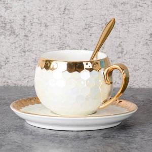 Tasses à café turques en céramique avec une cuillère en acier inoxydable avec incrustations d'or en porcelaine tasses à café soucoupes ensembles thé thé d'après-midi